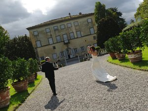 Wedding Photographer Lucca