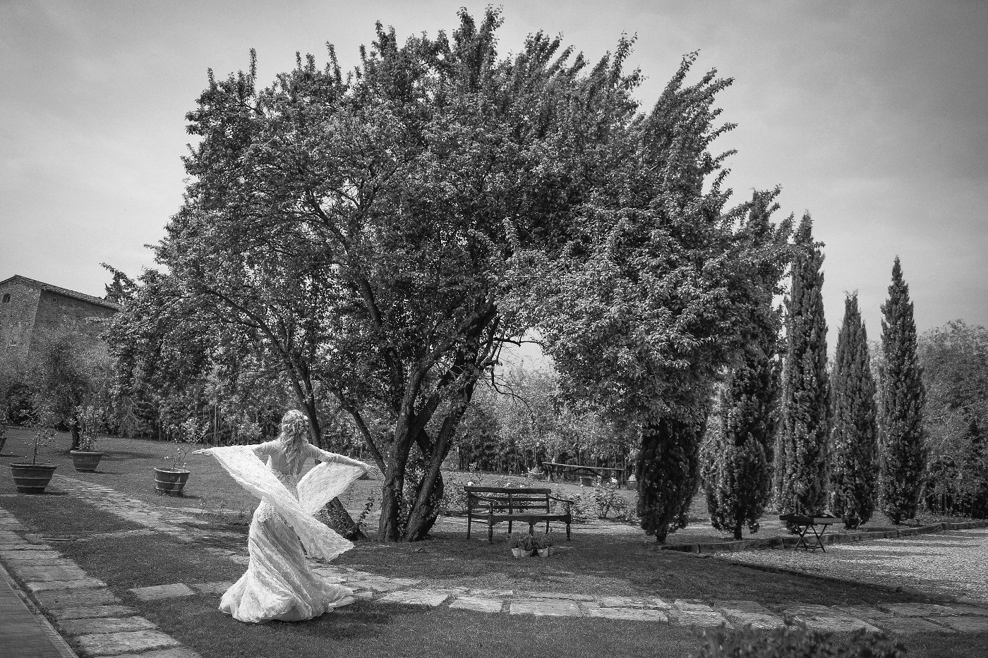 bride shooting in tuscany_15.jpg